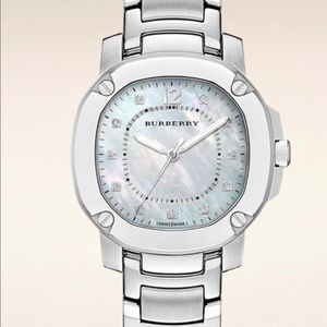 Burberry: The Britain Diamond (1/10 ct) 38mm Watch